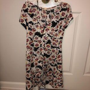 (NWOT) Floral Button Up Dress!